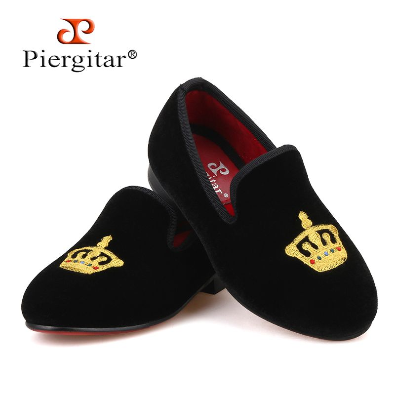 Piergitar new kid velvet shoes with gold crown embroidery Handmade children slippers birthday party kid loafers Daily kid's flat