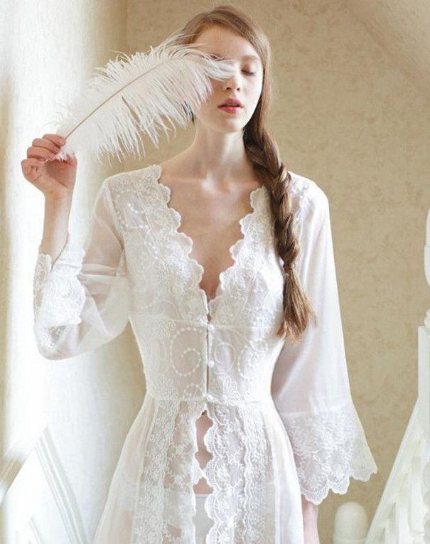 Vêtements de nuit Sexy Longue De Nuit Blanc Dentelle Vintage Princesse Robe Médiévale chemise de Nuit de style Européen Palais Robe Belle Robes