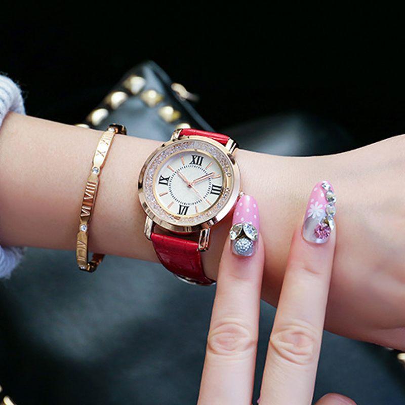 Дамская мода кварцевые часы Дамские туфли из PU искусственной кожи Повседневные платья Для женщин смотреть розовое золото Кристалл Reloje Mujer ...