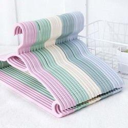 Colorido plástico perchas para la ropa clavijas alambre antideslizante tendedero adultos y niños percha tendedero exterior 1 unid