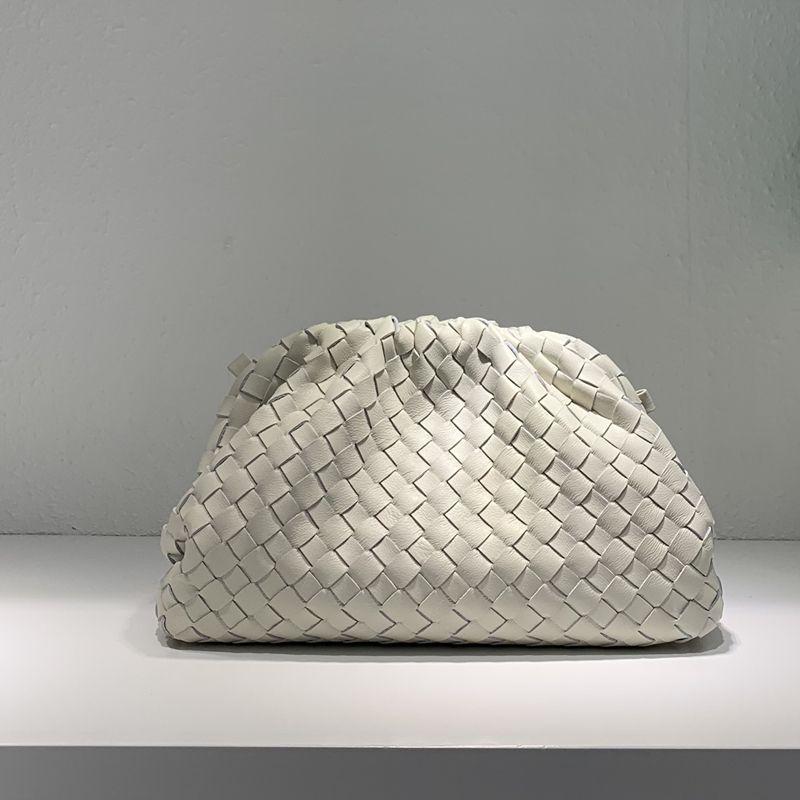 Neue rind gesponnener beutel wolke tasche leder plissee tasche schulter geschlungen knödel tasche kupplung tasche handtaschen straße einkaufstasche
