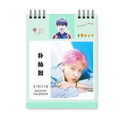 3 couleurs!!! EXO 2018 Calendrier De Bureau Super Star Mini Photo Photo Album Ventilateur Fait Autocollant Cadeau Collection