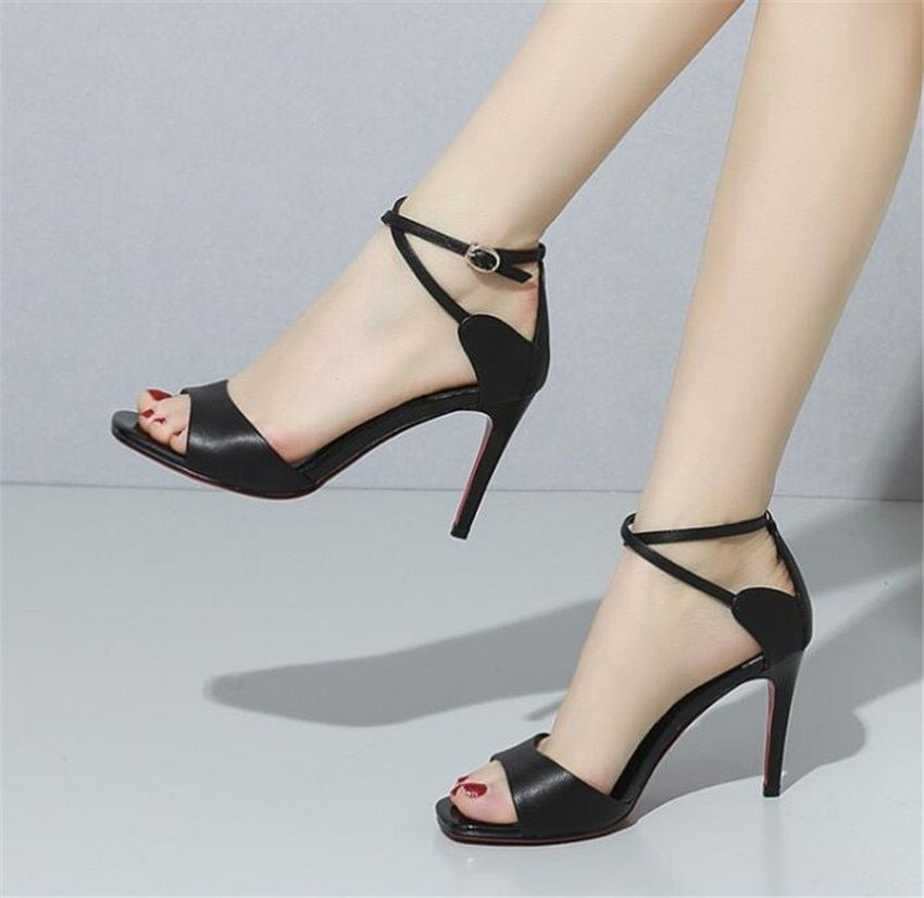 MLRCRIYG 2018 summer new lady's sandals are fashionable with thin and high heel mouths