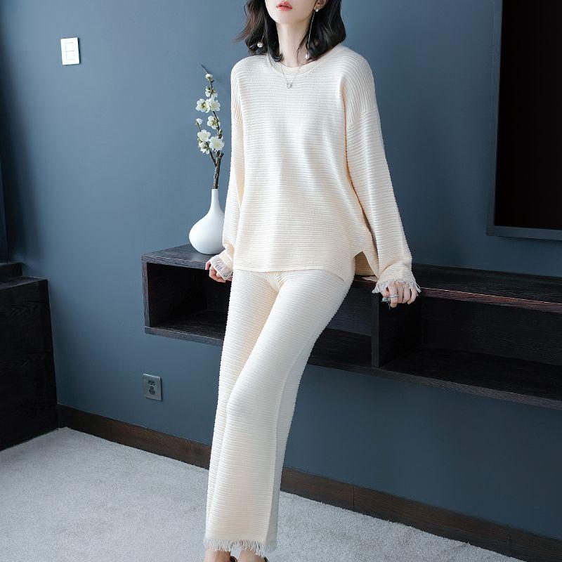 Autumn And Winter Women's New Korean Wide-leg Pants Knit Suit Fashionable Temperament Two-piece Suit