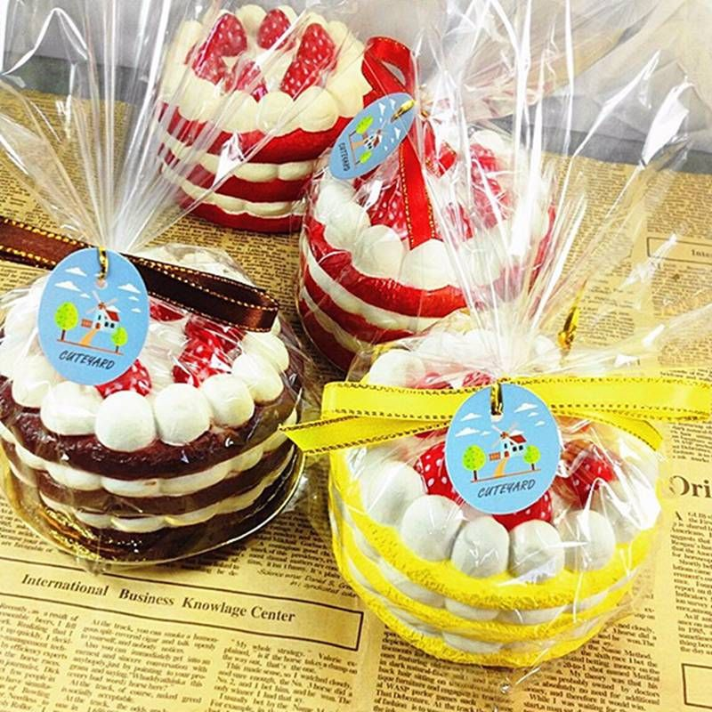 Eric for Squishy Cuteyard Tag Jumbo Strawberry Cake Slow Rising Original Packaging Collection Gift Decor Toy Phone Straps