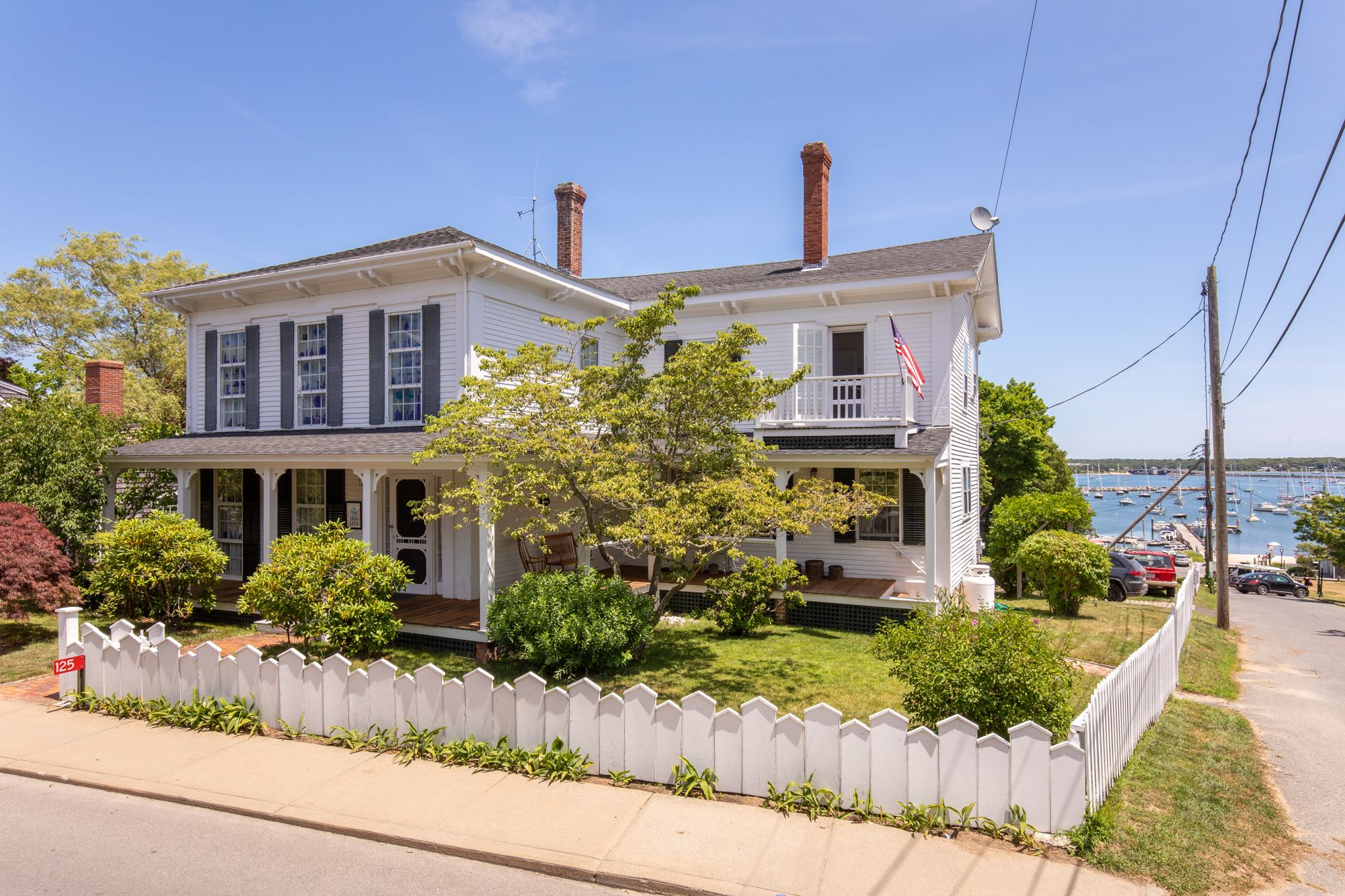 125 Main Street Vineyard Haven Photo