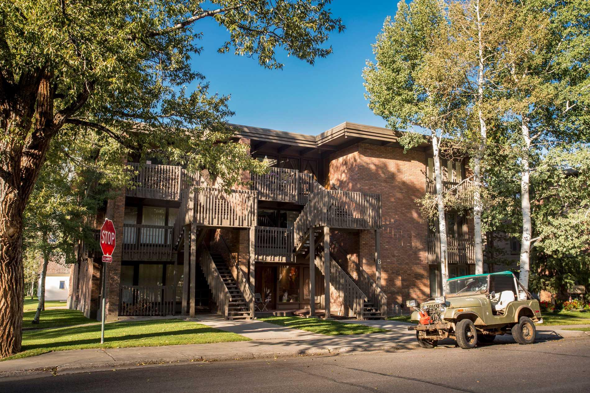124 W. Hyman Avenue Unit 1B Aspen Photo 1