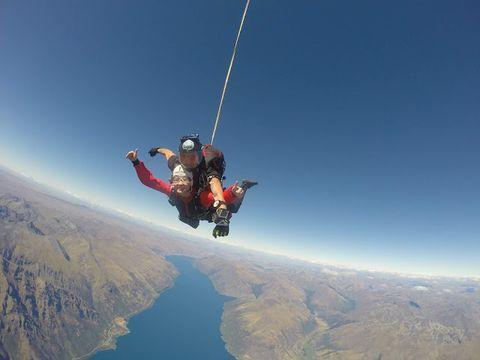 [紐西蘭活動] 人生最驚嚇又最勇敢的一次 皇后鎮高空跳傘 15000呎 Skydiving