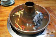 [KJFOODLIFE 旺角] 台式養生煙囪火鍋 烏雞湯加任食牛肉