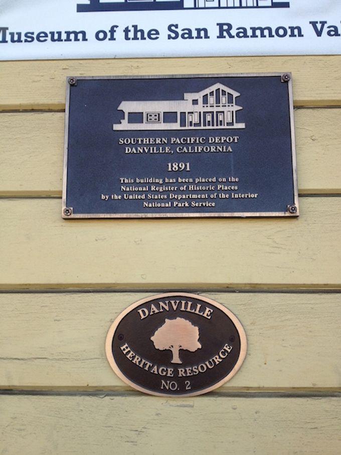http://1.bp.blogspot.com/-WIhlXu6G4tI/VKc6YFHsGlI/AAAAAAAAJAE/13BY0yIZTAk/s1600/Danville_Museum_of_the_San_Ramon_Valley_1891.JPG