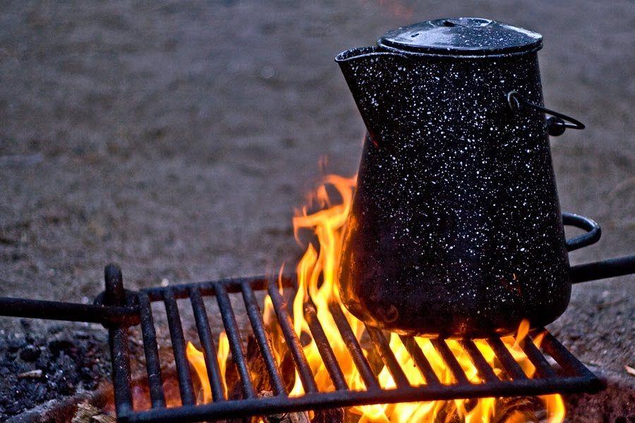 [Image: 2010-07-17-coffee-boiler-campfire_MG_4913.jpg]