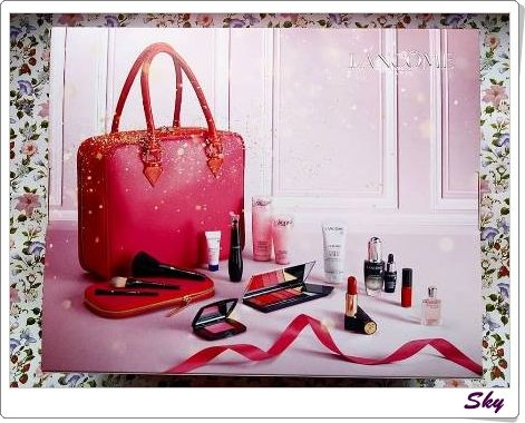 Lancome 聖誕珍藏版閃爍美肌彩妝箱 Festive & Sparkling Christmas Beauty Box