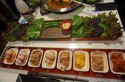 [首爾食食食] 貪心的人有福了 新村八色五花烤肉 八種口味胃口大滿足