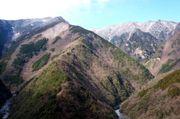 日本的各位覺得它日文假名中的「ひ」字。於是把它稱為「ひ字溪谷」。在山...