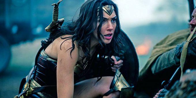 【Wonder Woman 神奇女俠】美國隊長擋子彈擋了五部電影也都沒她擋得如此帥氣過,你還有什麼理由不去看嗎?