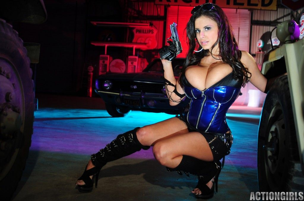 [Image: busty-girl-with-gun-wendy-actiongirls-1024x677.jpg]