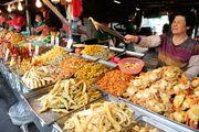 高雄 興達港觀光漁市 市場販賣著各式各樣的水產 活蝦、貝類及活蟹 南台灣...