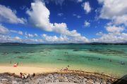 """水清沙幼絕景! 沖繩縣北部的離島「古宇利島」是有著""""沖繩最美景色""""之..."""