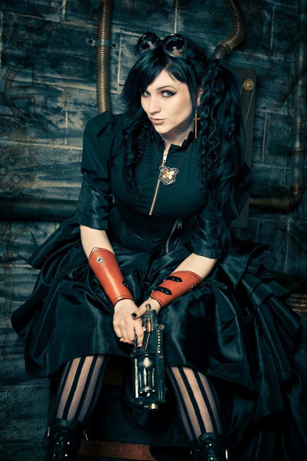 [Image: Steampunk+Girls+with+Guns+(57).jpg]