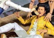 經典樂隊 Queen 主音Freddie Mercury 模型,被日本網民玩到壞掉!