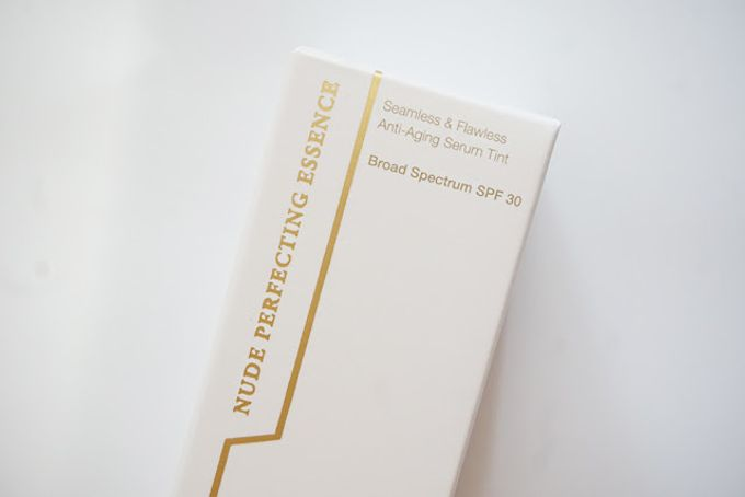 éPure Nude Perfecting Essence with box