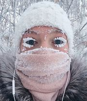 拍攝地球上最寒冷的城市Oymyakon,華氏-96度下人民的生活日常