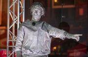 無緣世界盃有咩搞?荷蘭球星扮石像致敬告魯夫
