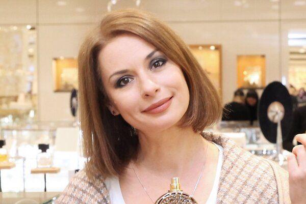Ирина Лачина познакомилась с новым мистическим ароматом