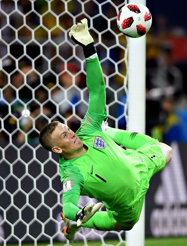 England's history-making penalty shootout triumph over Colombia in photosの代表サムネイル