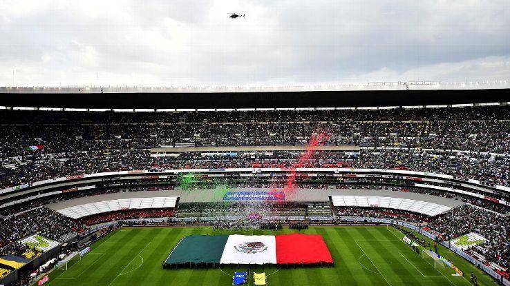 Estadio Azteca's new turf will carry heavy burden over rest of 2018の代表サムネイル