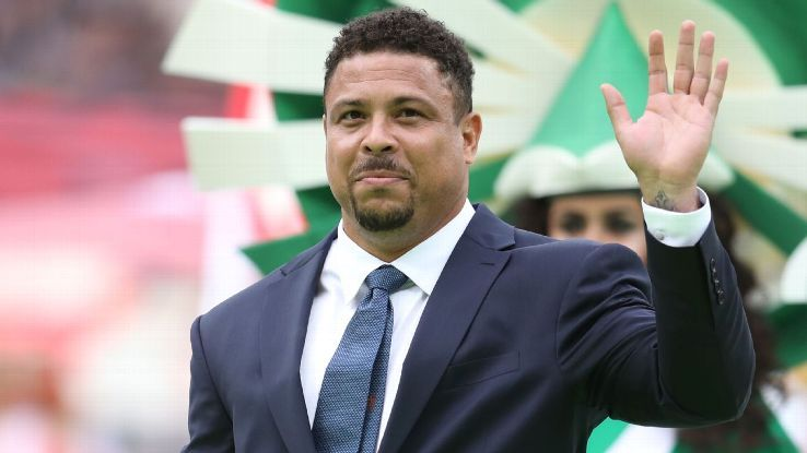 Brazil great Ronaldo in hospital in Ibiza with pneumonia - sourcesの代表サムネイル
