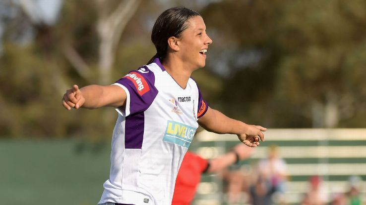 Sam Kerr helps Perth rescue point in eight-goal W-League thrillerの代表サムネイル