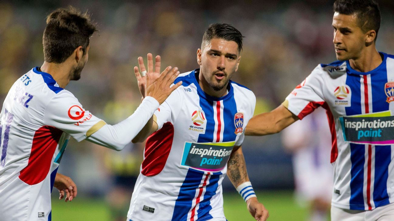 Newcastle Jets linchpin Dimi Petratos faces match-day fitness testの代表サムネイル