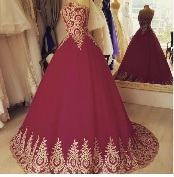 2017 Ball Gown Wine Red Saudi Arabic Middle East Muslim Evening Dress Gold Appliques Puffy Prom Dresses Robe De Soiree Longue