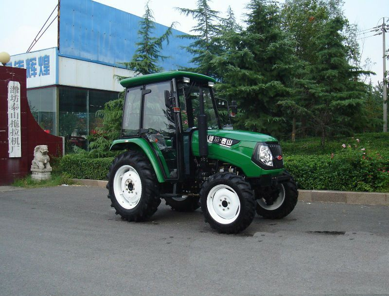 65hp 4WD  Agricultural Tractor With Cabin And Air Conditioning
