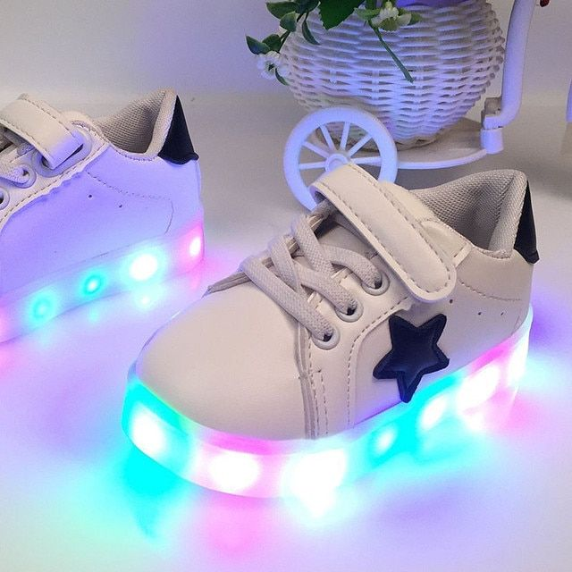2017 New LED lights Child sneakers shoe trend Fluorescence casual kids boys girls sports shoes children leather sneakers shoes