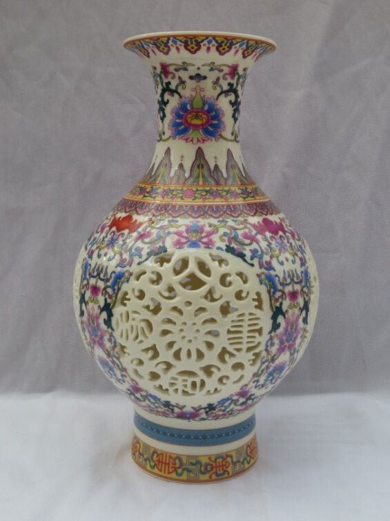 christmas decorations for home+ H:11 inch Home Decoration  Chinese Antique Porcelain Vase/Classic Ceramic Vases  tabletop Vase