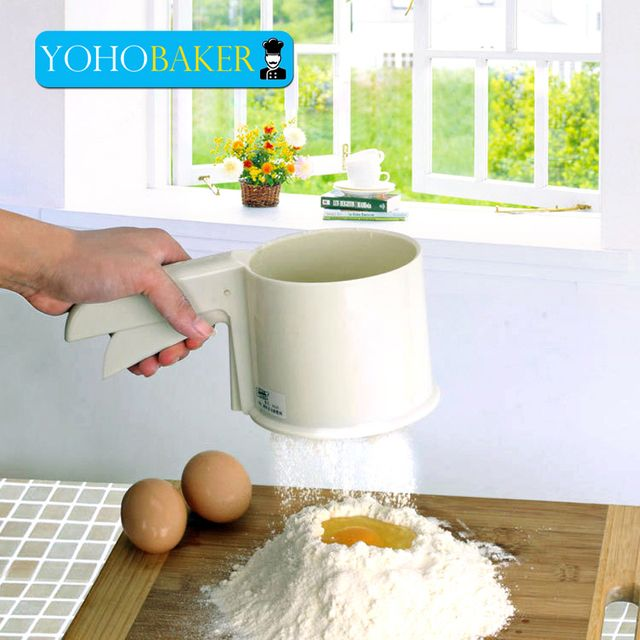 Yohobaker Hand Press Type Flour Sieve Cup Design Easy To Take Professional Baking Supplies Screen Mesh Necessary Baking Tools