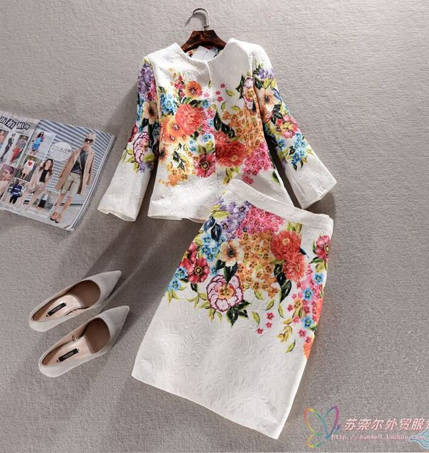 Europe spring new fashion women big yards leisure office suit elegant round collar 7 points sleeve printed slim skirt suit G1395