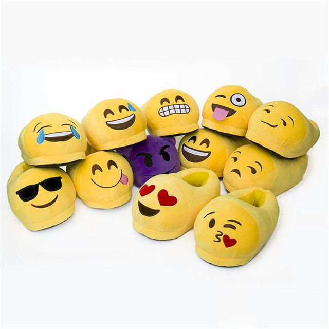 Emoji Slippers Women Men Cartoon Plush Home Slippers Cute Style Fashion Winter House Indoor Shoes One Size Fit EU35-42 Pantufa