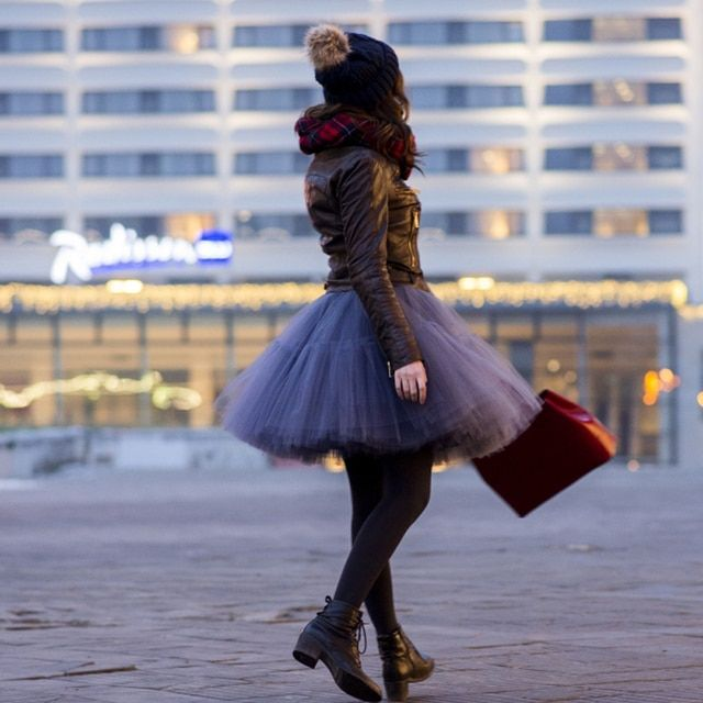 New Arrival Puffy Winter Tutu Skirts For Pretty Lady Pleated Knee Length Tulle Skirt For Women 5 Layer Tulle +1 Lining