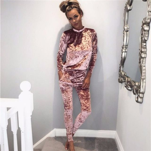 Runway 2017 Sexy Women Winter Velvet Suit 2 Piece Tracksuit Set Spring Pink Black Outfit Women Hoodies Sweatshirts Top And Pants