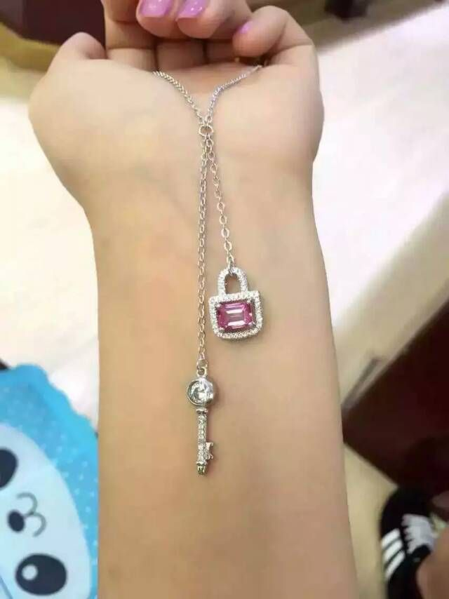 Natural pink  topaz stone Necklace natural gemstone Pendant Necklace S925 silver trendy Romantic keys d locks women Jewelry