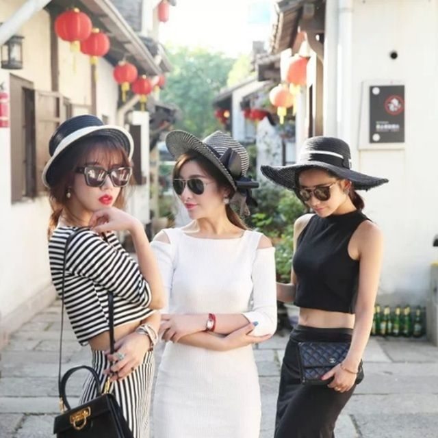 2017 Spring and Summer the new of the black and white fight ribbon straw hat big canopy beach sun hat women burst mo