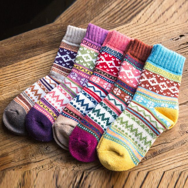 New Autumn Winter Thicker Warm Women's Socks Sweet Colorful Multi Pattern Wool Blends Retro Art Style Cashmere Home Floor Sock