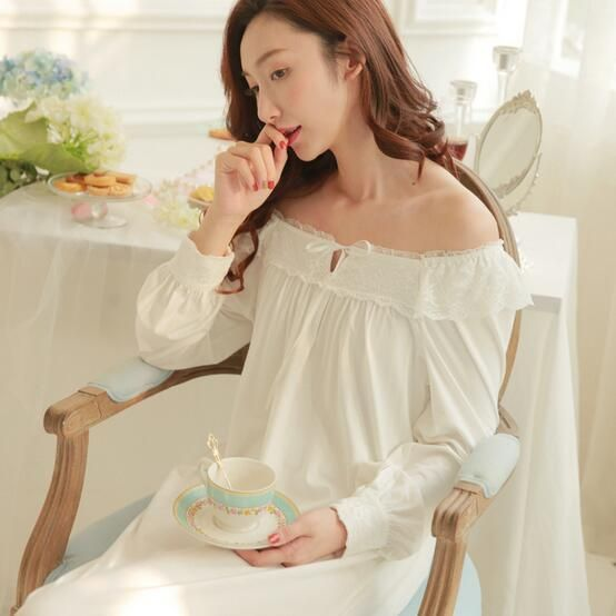 New women sexy Pyjamas Princess lace Nightdress Women's Cotton Long Nightgown Home Wear Nightshirt Royal Pijama S207