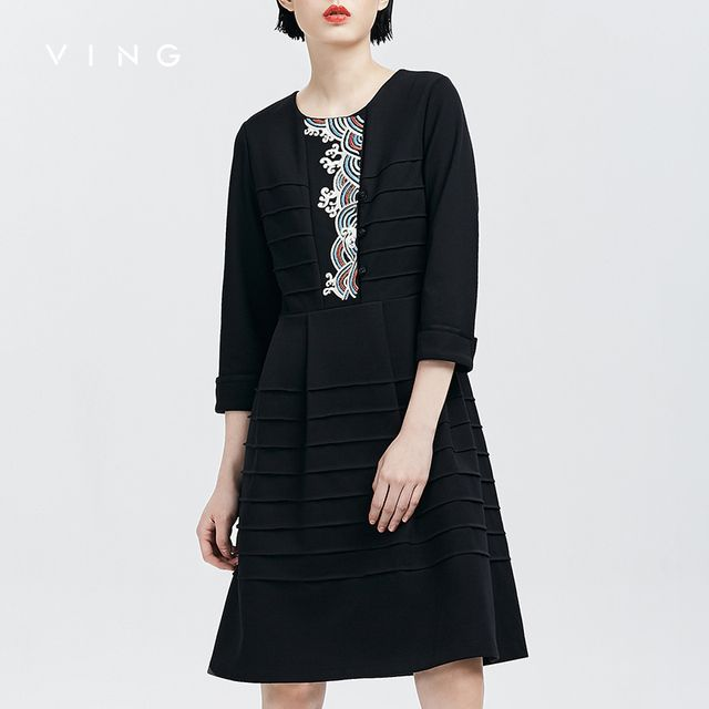 VING 2017 Dresses Autumn New Ethnic Style Embroidered Three Quarter Sleeve Dress O-Neck One Piece