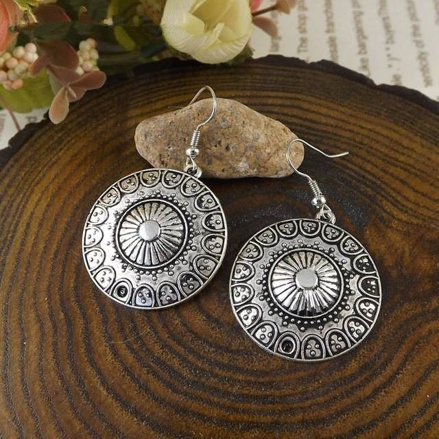 SALES 2018 New Arrival Bohemia Tibet Jewelry Tibetan Silver Vintage Round Pendnat Retro Drop Earring 1pair for Women Hot MK-013