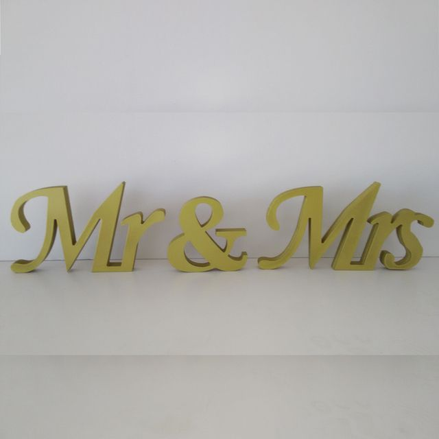 Wonderful gift wooden MR&MRS Letter Decoration Wedding props wooden love letters Wedding props size15cm