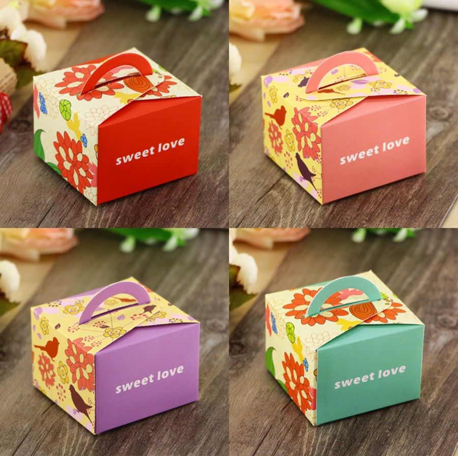 50Pcs Purple Pink Red Blue Square Floral Wedding Favors Candy Boxes Bomboniera Chocolate Paper Boxes Party Gift Box